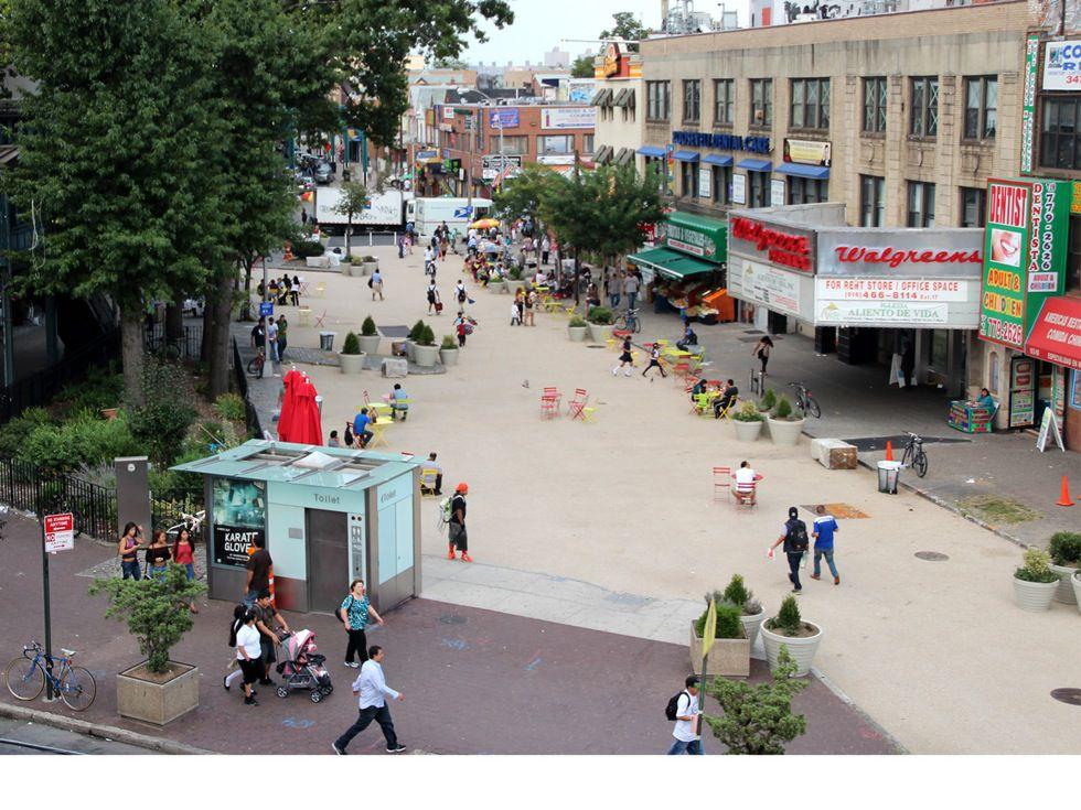 Corona Plaza: after