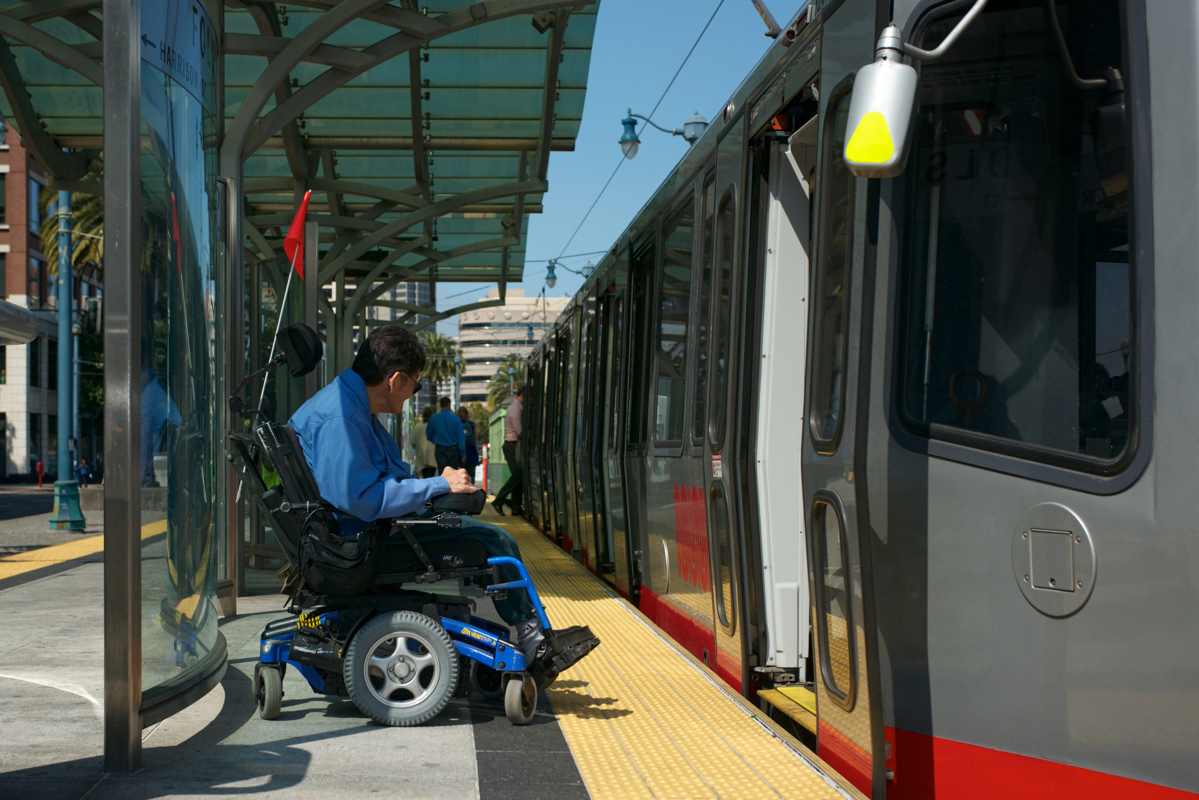 The Rise Of Urban Public Boarding >> Platform Height National Association Of City Transportation Officials