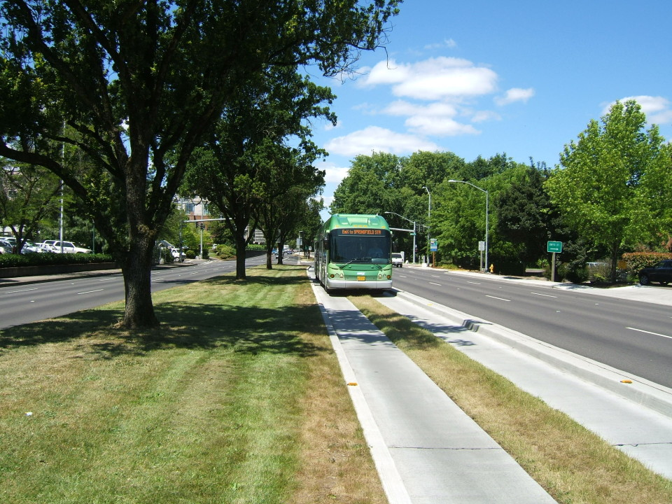 EmX transitway, Eugene (credit: Dan Tutt)