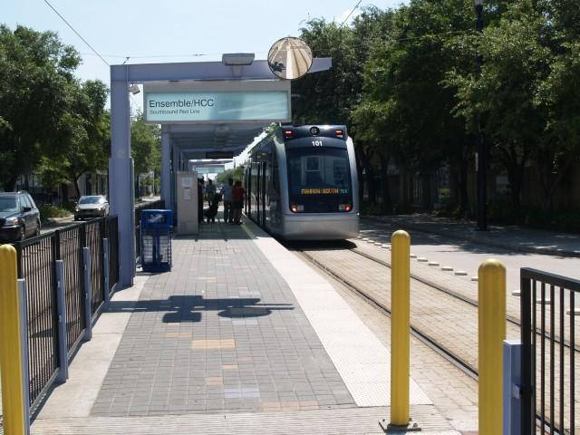 Red Line LRT, Houston credit: Christof Spieler)