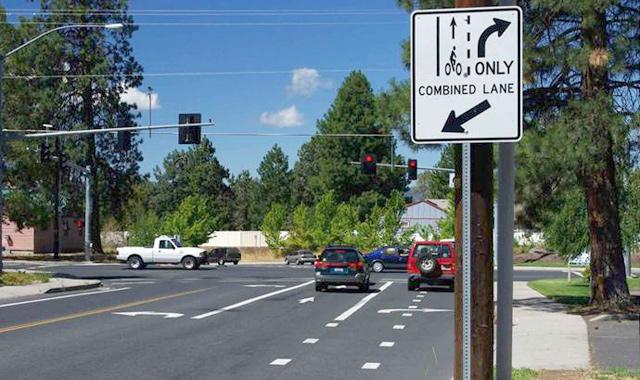 Combined Bike Lane/Turn Lane - Bend, OR