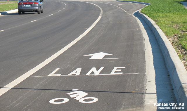 Bike Lane - Kansas City, KSPhoto: flickr - MoBikeFed