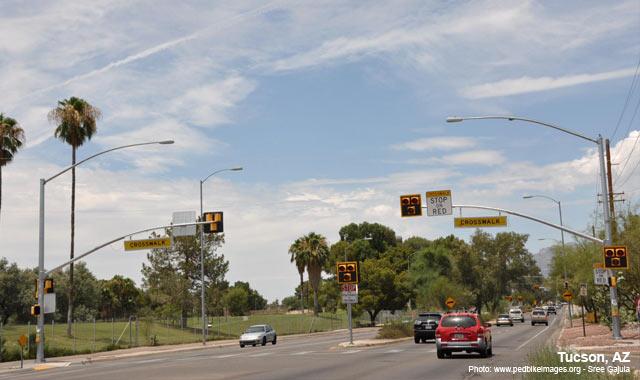 Hybrid Beacon - Tucson, AZPhoto: www.pedbikeimages.org - Sree Gajula