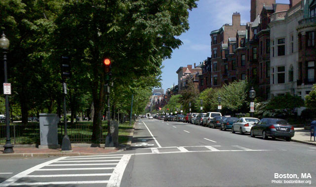 Left-Side Bike Lane - Boston, MAPhoto: www.bostonbiker.org
