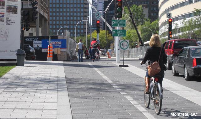 Raised Cycle Track - Montreal, QC