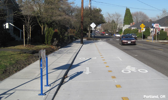 Raised Cycle Track - Portland, OR