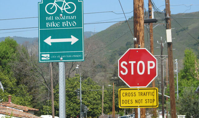 Advance Crossing Sign - San Luis Obispo, CANaming a bicycle boulevard provides an opportunity to brand the route on identification signs.