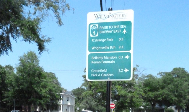 Wayfinding Sign - Wilmington, NCDecision signs help users navigate their way through the bikeway network.